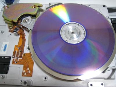 DVDメディアより大きいプラッタ